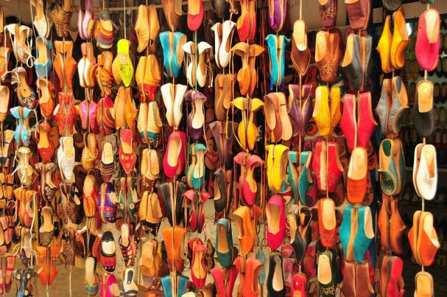 Les babouches marocaines s'affirment dans le monde de la mode